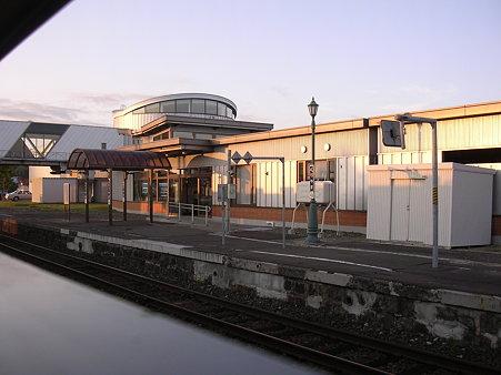 栗山駅11