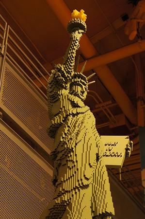 """26日 NY-Manhattan Times Square Toys """"R"""" US"""