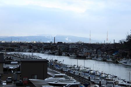 金沢大野川河口 漁船の並ぶ休日