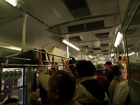 115系普通電車の車内