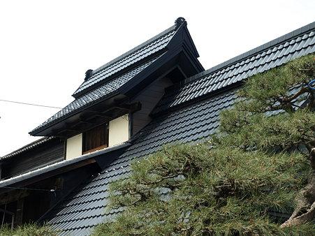 重厚なお家(勝沼ぶどう郷駅付近)