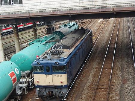 タキとEF64-38(八王子駅)