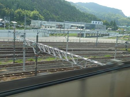 留置線(300系グリーン車車窓米原駅構内)
