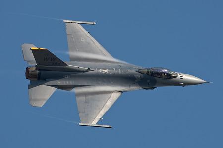 新田原航空祭F-16_01