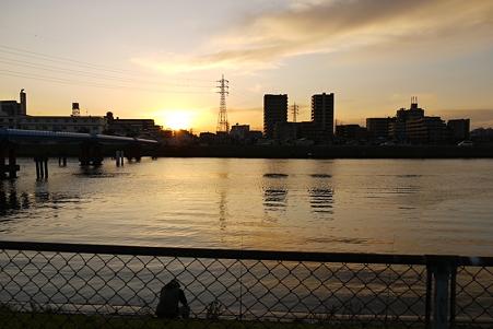 中川の日没
