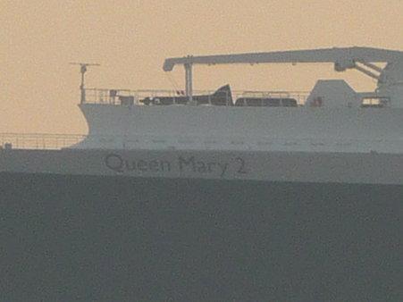 100219-QM2入港 (35)