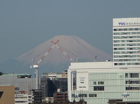 P1000566大桟橋から富士山