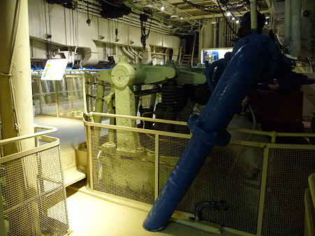 100428-氷川丸 機関室など (4)