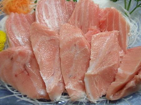 本マグロの漬け丼 (2)