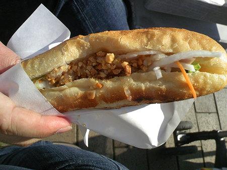 ワールドフェスタ・ヨコハマ2009 バインミー(ベトナム風サンドイッチ)
