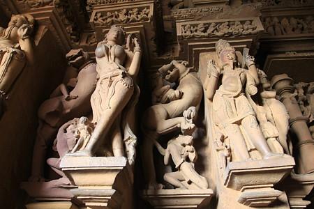2010.02.01 ラクシュマナ寺院 内部彫刻-1