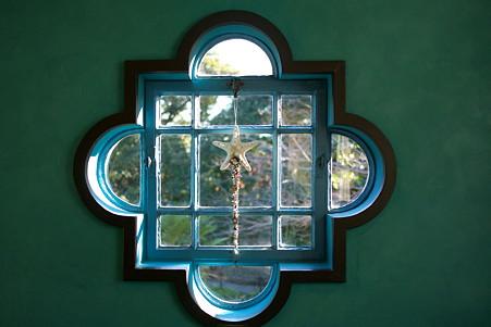 2010.12.08 山手 ベーリック・ホール 世界のクリスマス2010 フィンランド 窓飾