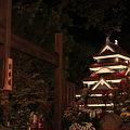 写真: 松本城と入口