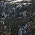 写真: 冬の滝