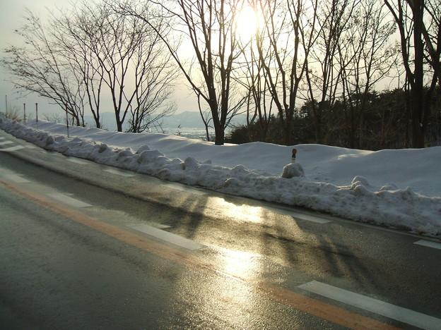 福島県道64号の冬 - 明ル坂 - 冬の日差し