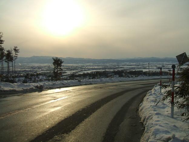 福島県道64号の冬 - 明ル坂 - 会津盆地