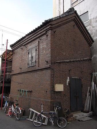小さなレンガ倉庫