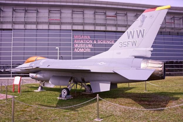 三沢航空科学館・・展示 U.S.AIR FORCE F-16