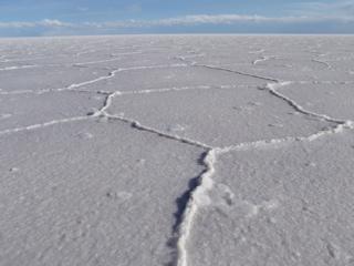 写真: 塩が作り出す模様
